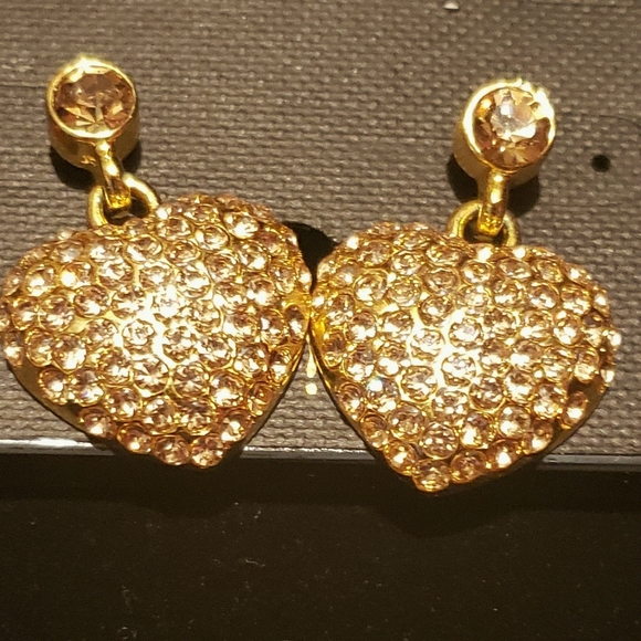 Cute gold heart earrings